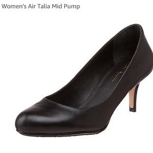 Cole Haan Black Leather pumps